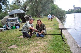 """Für meine Sommerreportage 2011 ging ich, damals noch Volontärin, mit drei Anglern ein Wochenende lang auf Fischfang. Die Fotos zur Reportage """"Allein unter Anglern"""" machte damals Martin Weis, der kurz darauf zur Rundschau wechselte."""