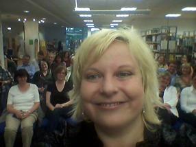 Und eine kleine Lesungspremiere: Zum ersten Mal gibt es auch ein Selfie mit dem Publikum. Wie bei der Oscar-Verleihung... ;)