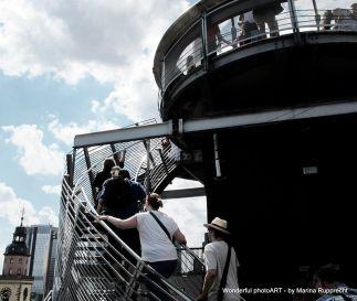 Auf geht's auf die Dachterasse der Zeil-Galerie. Foto: Marina Rupprecht / Wonderful photoART