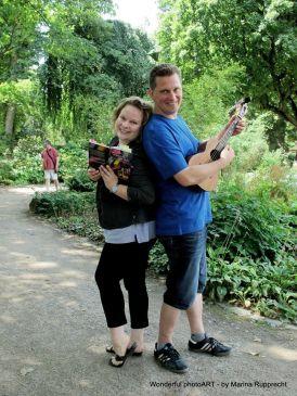 Micha und Anne bei der Walking Lesung