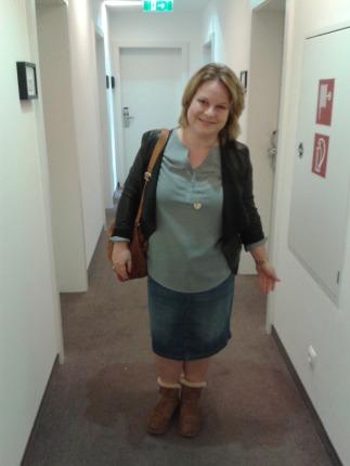 Auf geht's zur Location - eine aufgeregte Anne im Hotelflur. Alle Fotos: Caroline Seibert