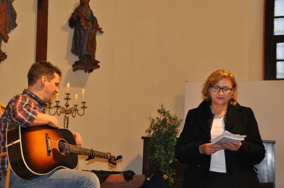 Kulturdezernentin Dr. Beate Matuschek begrüßt uns.