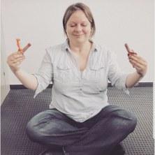 Meditieren mit Bifi - ich glaube, das haben wir für eine Story auf dem wdv-Insta-Kanal gefilmt.